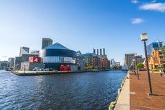 Baltimore md, USA 09-07-17: baltimore inre hamn på solig da Royaltyfri Fotografi