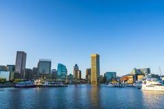 Baltimore md, USA 09-07-17: baltimore inre hamn på solig da Arkivbild