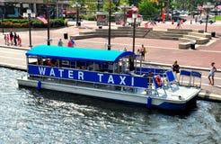 Baltimore, MD: Wodny taxi przy Wewnętrznym schronieniem Zdjęcie Royalty Free
