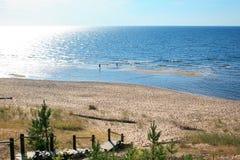 """Baltisch landschap met zandig strand, Balta-kapa - Saulkrasti †""""L Royalty-vrije Stock Afbeeldingen"""