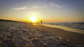 Baltischer Strand Sandy-Sommers in Swinoujscie, Polen stock video