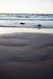 Baltiskt hav på skymning Arkivbilder