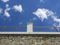 Balustrade et ciel Photo stock