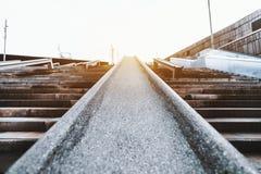 Balustrade pierreuse d'escalier pour le patinage photographie stock libre de droits