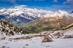 Balzi in alte dolomia con neve, le alpi, Italia, Europa Immagini Stock Libere da Diritti