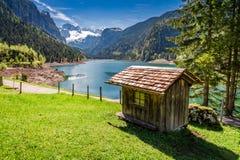 Balzi nel lago Gosausee in Gosau, le alpi, Austria Immagini Stock Libere da Diritti