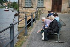 Bamberg Tyskland - Juni 03, 2016: Folk som tycker om sikten på th Royaltyfria Foton