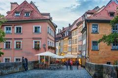 Bamberga, Alemanha 21 de junho de 2015: Noite do verão na cidade center histórica bavaria imagens de stock royalty free