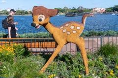 Bambi修剪的花园在显示的显示形象在迪斯尼世界 库存照片