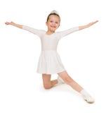 Bambina in abito di palla bianco Immagine Stock