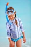 Bambina adorabile alla spiaggia Fotografia Stock Libera da Diritti