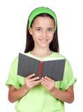 Bambina adorabile che legge un libro Fotografie Stock