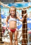Bambina a aquapark Immagini Stock Libere da Diritti