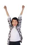 Bambina asiatica felice che mostra gesto di conquista Immagini Stock