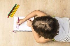 Bambina che fa lavoro Fotografia Stock Libera da Diritti