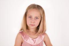 Bambina che guarda in camera Immagini Stock Libere da Diritti
