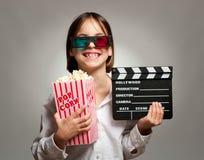 Bambina che indossa i vetri 3D Fotografia Stock Libera da Diritti