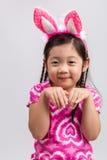 Bambina con Bunny Ears su bianco/bambina con Bunny Ears/bambina con Bunny Ears, colpo dello studio Fotografie Stock