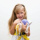 Bambina con filato Fotografie Stock Libere da Diritti
