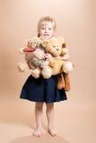 Bambina con gli orsacchiotti Fotografia Stock