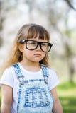 Bambina con i grandi vetri Immagine Stock Libera da Diritti