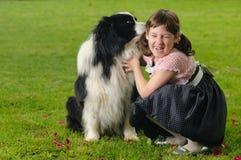 Bambina con il cane Fotografia Stock Libera da Diritti