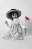 Bambina con il fiore 2 fotografia stock libera da diritti