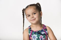 Bambina con il fronte maligno allegro immagine stock libera da diritti
