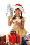 Bambina con il regalo di natale Fotografia Stock
