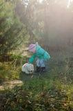 Bambina con l'orso Fotografia Stock