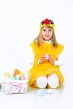Bambina con le uova di Pasqua Fotografie Stock