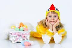 Bambina con le uova di Pasqua Fotografie Stock Libere da Diritti