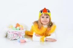 Bambina con le uova di Pasqua Immagine Stock Libera da Diritti