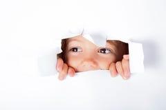 Bambina curiosa Fotografie Stock Libere da Diritti