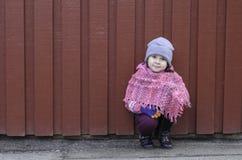Bambina esterna Immagini Stock Libere da Diritti