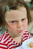 Bambina facente il broncio Immagini Stock