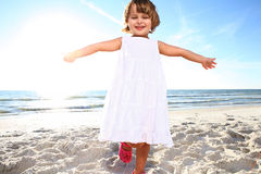 Bambina felice. immagini stock