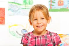 Bambina felice bionda fotografia stock