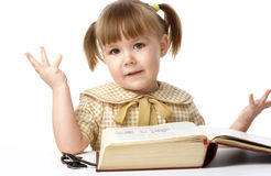 Bambina felice con il libro, di nuovo al banco Fotografia Stock Libera da Diritti