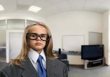 Bambina nell'ufficio Fotografia Stock Libera da Diritti