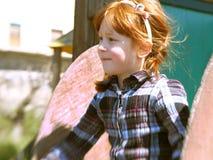 Bambina nella sosta Immagine Stock