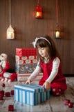 Bambina su natale fotografia stock libera da diritti