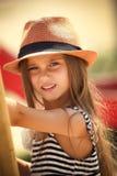 Bambina sul campo da giuoco Fotografia Stock