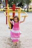 Bambina sul campo sportivo Fotografia Stock Libera da Diritti