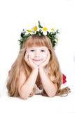 Bambina sveglia che porta una corona isolata su briciolo Immagine Stock Libera da Diritti