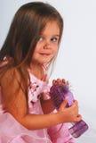 Bambina sveglia con il pattino Immagini Stock