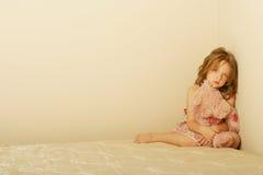 Bambina triste Fotografie Stock