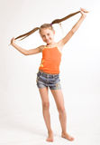 Bambina in vestito casuale fotografia stock libera da diritti