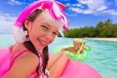 Bambini in acqua Fotografia Stock Libera da Diritti