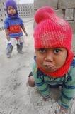 Bambini al Brick-field Immagine Stock